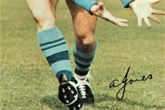 Alan Jones 1971.Thanks to Robert Woolston.